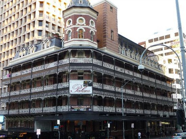 Base Brisbane Backpackers Central - Accommodation Newcastle