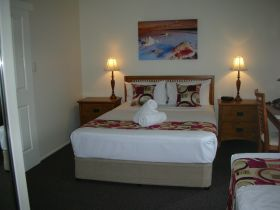 Palm View Holiday Apartments - Accommodation Newcastle