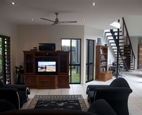 Dolphin Beach House - Accommodation Newcastle