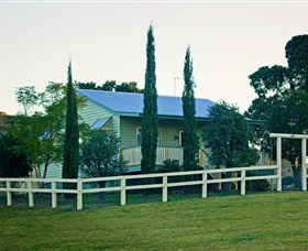 Milford Country Cottages - Accommodation Newcastle
