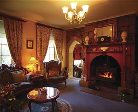 Oatlands Lodge Colonial Accommodation - Accommodation Newcastle