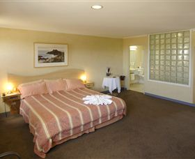 Lighthouse Hotel - Accommodation Newcastle
