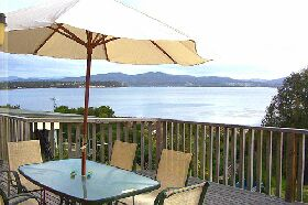 Waterfront on Georges Bay - Accommodation Newcastle