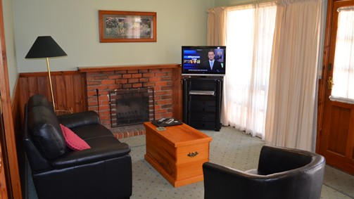 Mountain View Motor Inn and Holiday Lodges - Accommodation Newcastle