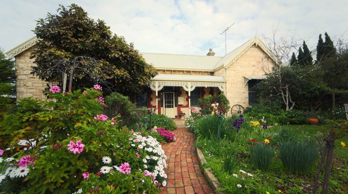 Eastcliff Cottage Sorrento - Accommodation Newcastle