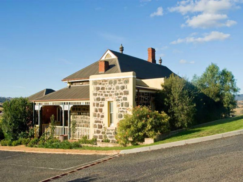 Hermitage Hill Resort - Accommodation Newcastle