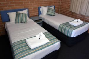The Oaks Hotel Motel  - Accommodation Newcastle