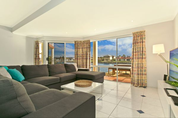 SALT Waterfront Apartment - Accommodation Newcastle