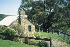 Adelaide Hills Country Cottages - Gum Tree Cottage - Accommodation Newcastle