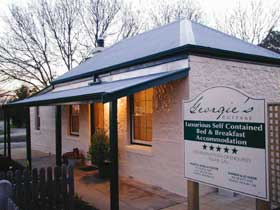 Georgie's Cottage - Accommodation Newcastle