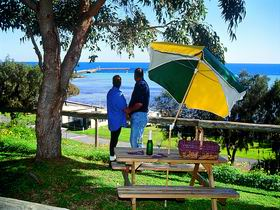 Moonta Bay Caravan Park Cabins - Accommodation Newcastle