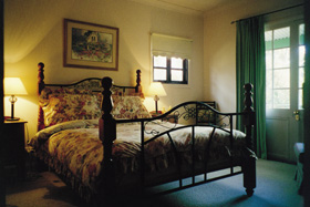 St Helens - Fettlers Cottage - Accommodation Newcastle