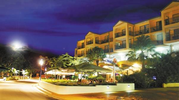 Airlie Beach Hotel - Accommodation Newcastle