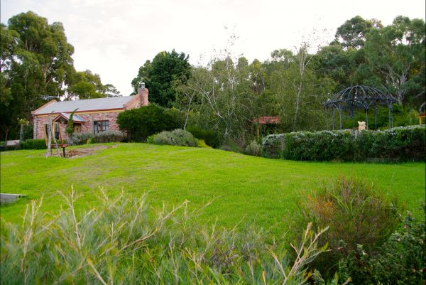 Pear Tree Hollow - Accommodation Newcastle