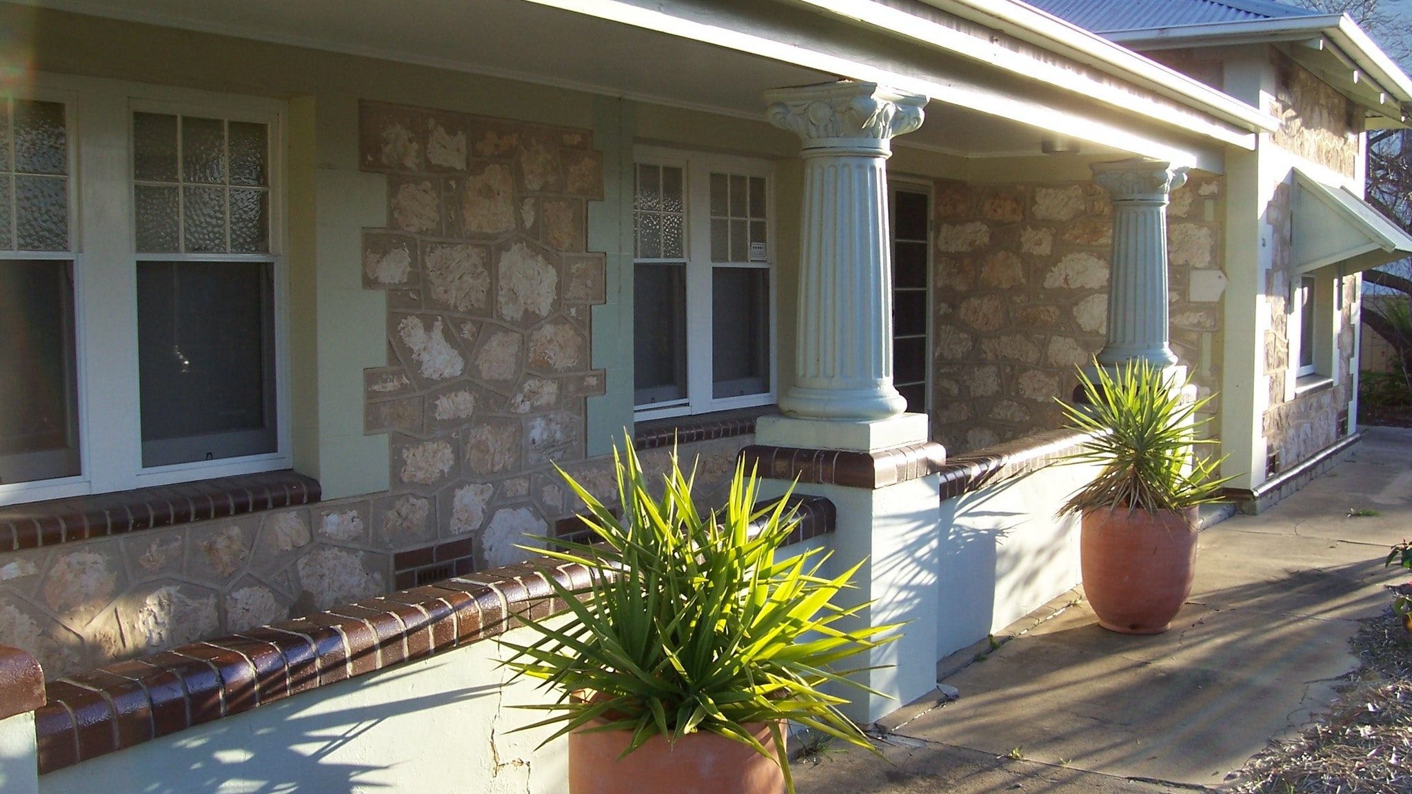 Naracoorte Cottages - MacDonnell House - Accommodation Newcastle