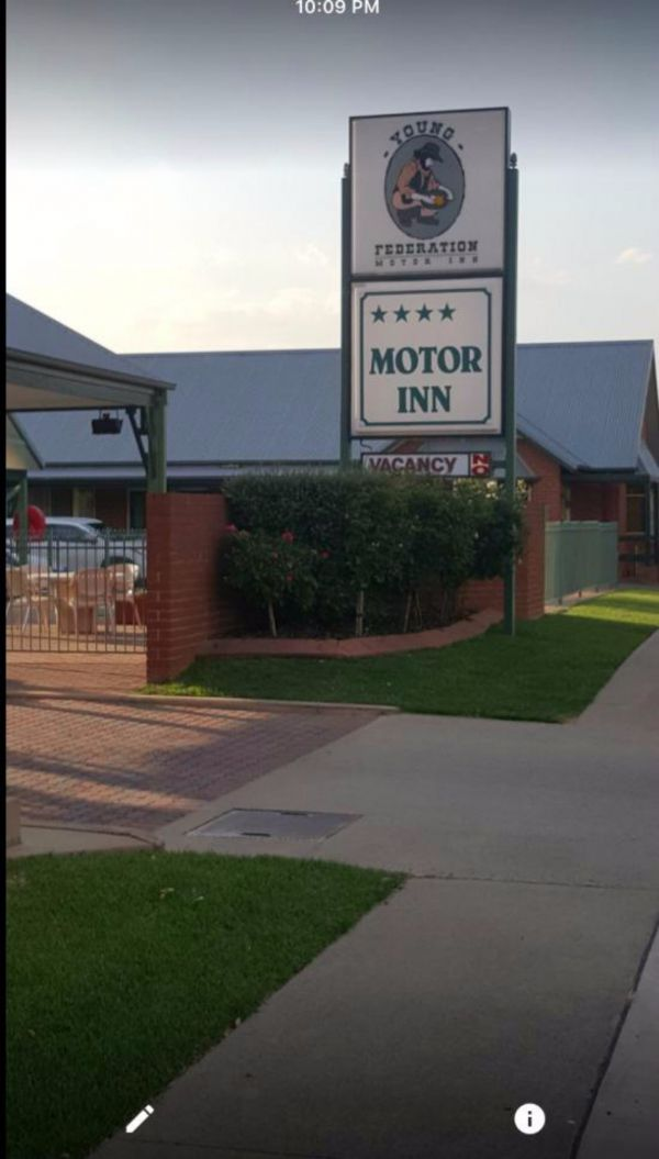 Federation Motor Inn Young - Accommodation Newcastle