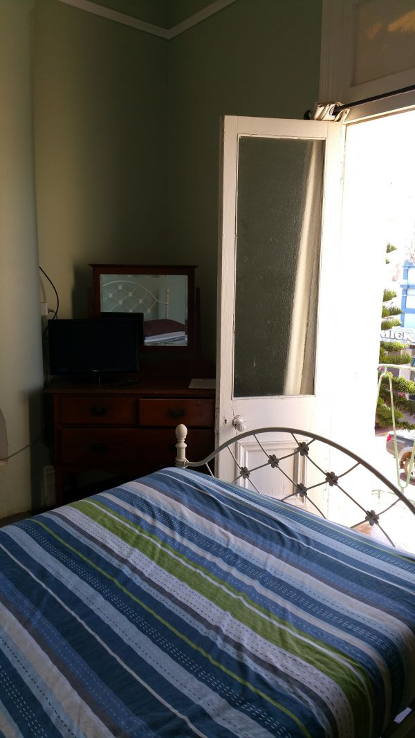 Foreshore Backpackers - Accommodation Newcastle