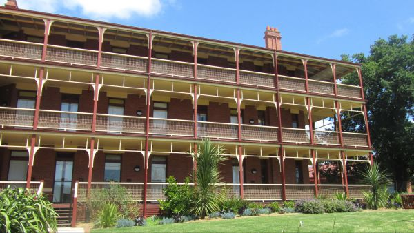 Yarra House - Accommodation Newcastle