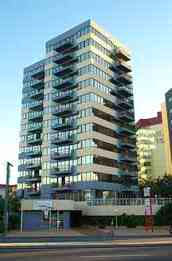Beachfront Towers Holiday Apartments - Accommodation Newcastle