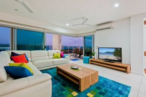 Beachlife Sea Breeze Luxury  Apartment Harbour Views - Accommodation Newcastle