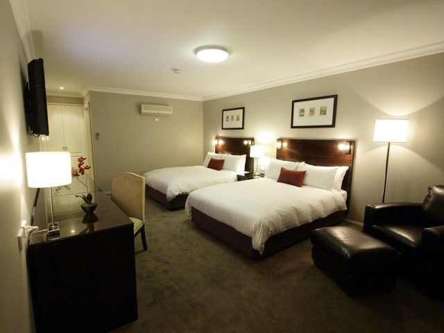Carlyle Suites  Apartments - Accommodation Newcastle