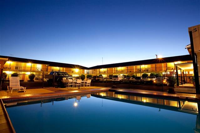 Golden West Motor Inn - Accommodation Newcastle