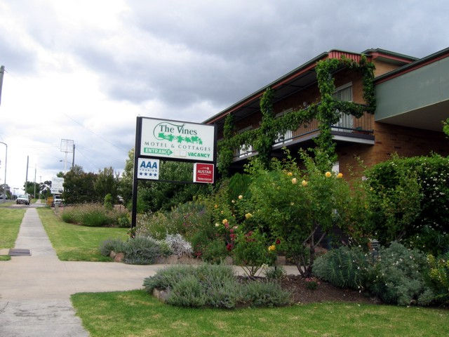 The Vines Motel  Cottages - Accommodation Newcastle
