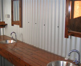 Daly River Barra Resort - Accommodation Newcastle