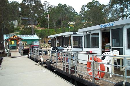 Clyde River Houseboats - Accommodation Newcastle