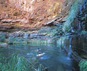 Dales Gorge and Circular Pool - Accommodation Newcastle