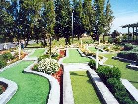 West Beach Mini Golf - Accommodation Newcastle
