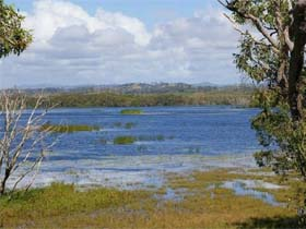 Lake Barfield - Accommodation Newcastle