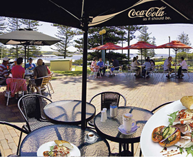 The Beach and Bush Gallery and Cafe - Accommodation Newcastle