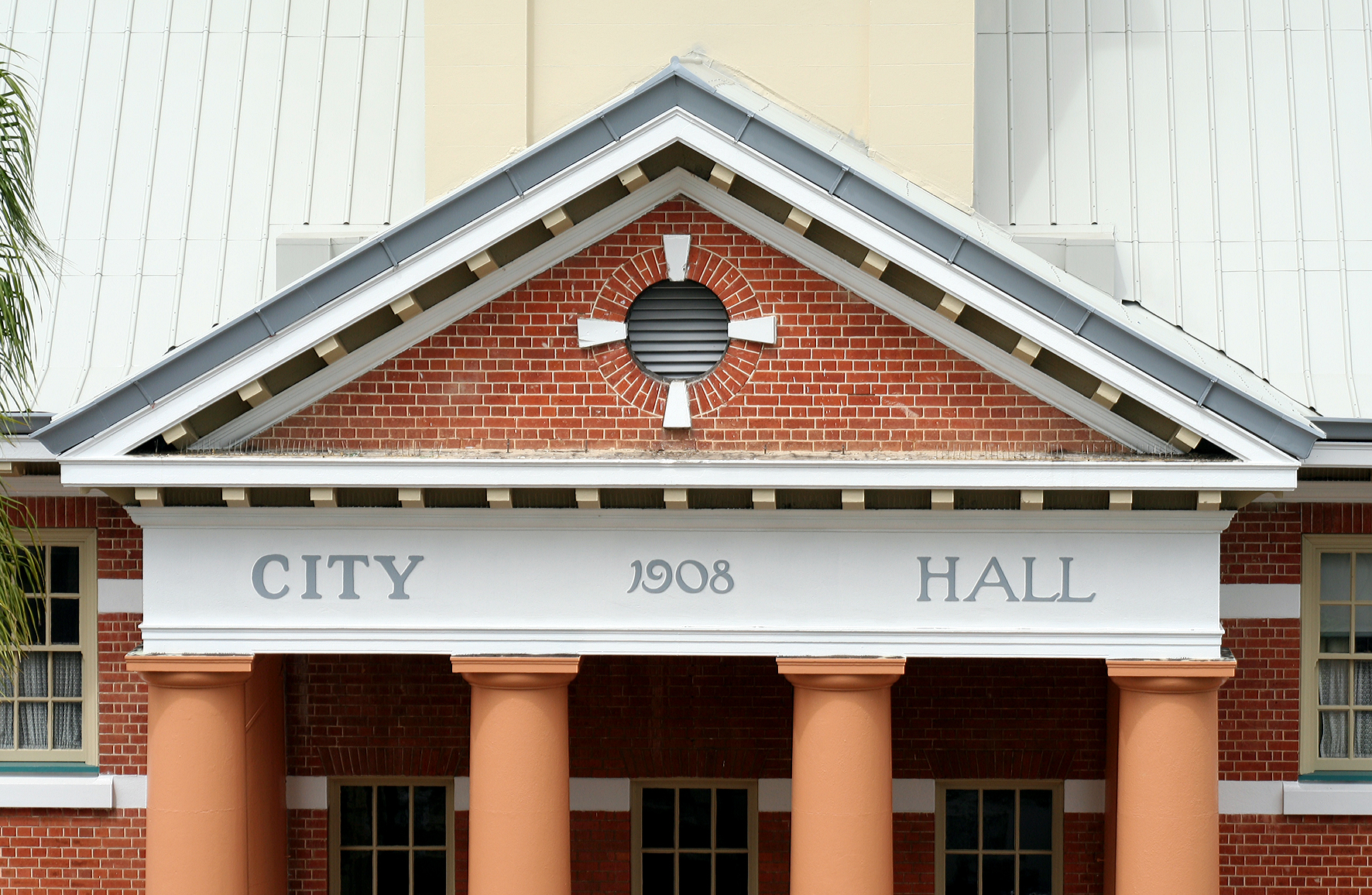 Maryborough City Hall - Accommodation Newcastle