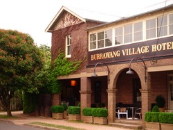 Burrawang Village Hotel - Accommodation Newcastle