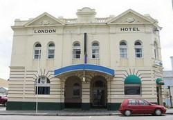 The London Hotel - Accommodation Newcastle