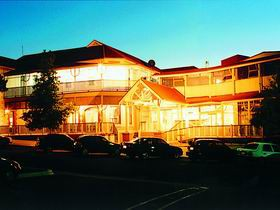 Loxton Community Hotel Motel - Accommodation Newcastle