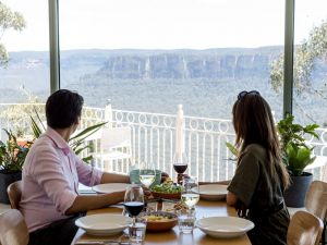 Christmas Day Lunch at The Lookout Echo Point - Accommodation Newcastle