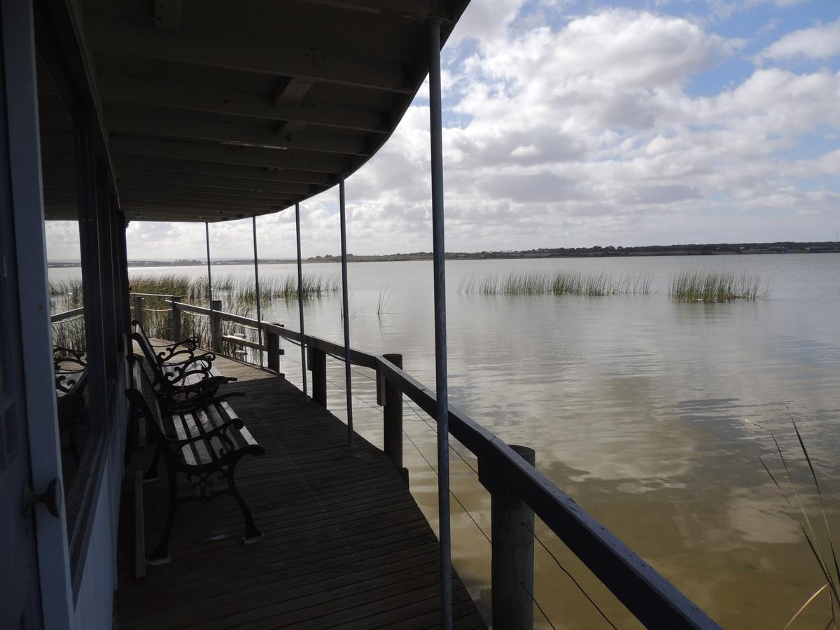 PS Federal Retreat Paddle Steamer Goolwa - Accommodation Newcastle