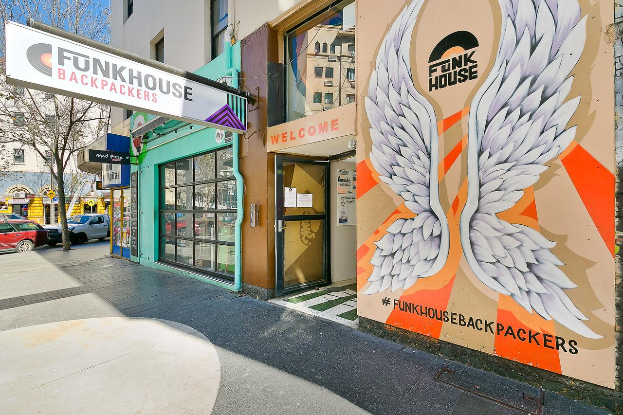 Funk House Backpackers - Accommodation Newcastle
