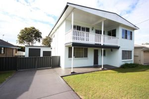 By The Beach at South West Rocks - Accommodation Newcastle