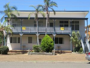 Cabenay 3 - VIEWS ACROSS THE PARK - Accommodation Newcastle