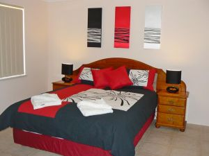 Geraldton Luxury Vacation Home - Accommodation Newcastle