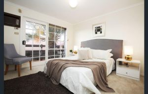The Gallery Hours - Accommodation Newcastle