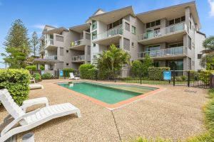 BEACH BLISS LUXURIOUS APARTMENT with POOL - Accommodation Newcastle